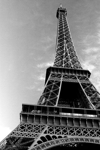 Pictures_of_Eiffel_Tower_black_and_white