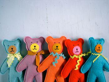 little bear friends: Nifty Kidstuff