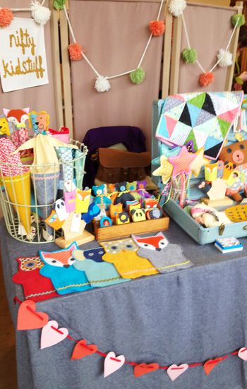 Nifty Kidstuff: craft show set up